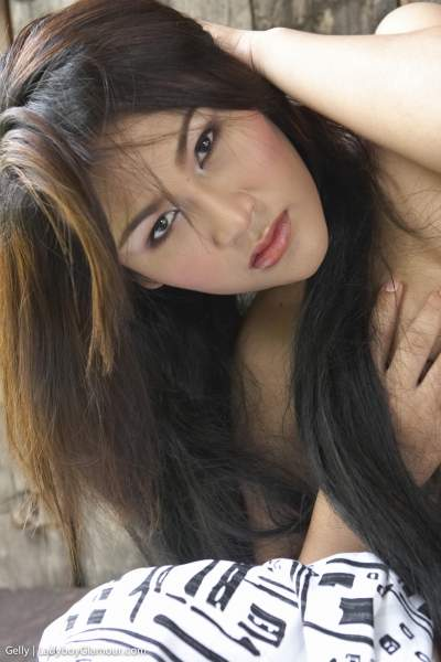 Latest Ladyboy Glamour Photo Update